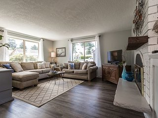 Charming & pet friendly two bedroom home near the beach in Seaside, Oregon! - Seaside vacation rentals