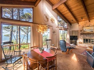 Secluded oceanfront home with beautiful views just south of Newport, Oregon! - Newport vacation rentals