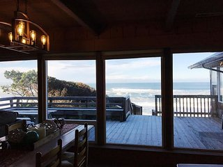 Bella Beach Combo-Ocean View,Hot Tub,Fireplace,4BR - Depoe Bay vacation rentals