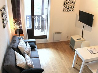 Forclaz 4B - Onebedroom apartment with balcony facing the River Arve - Chamonix vacation rentals