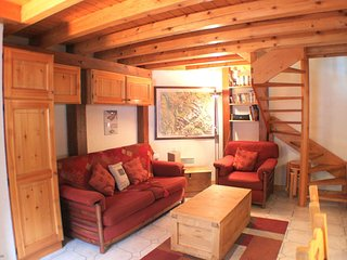 Vila 1 - Cosy 2 bedroom in the centre of town - Chamonix vacation rentals