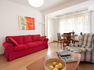 Wide apartment of 4 bedrooms for 6 guests next to Barcelona Fair - Barcelona vacation rentals