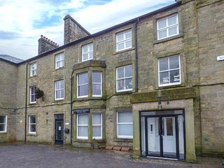 11 EAGLE PARADE, apartment, four bedrooms, WiFi, nr Buxton, Ref 936517 - Buxton vacation rentals