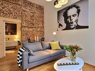 Bright Apartment with Television and Microwave - Liege vacation rentals