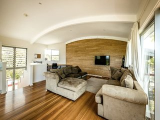Perfect 3 bedroom Guest house in Valla Beach - Valla Beach vacation rentals