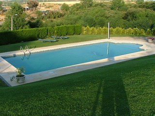 Nice House with Shared Outdoor Pool and Television - Macedo de Cavaleiros vacation rentals