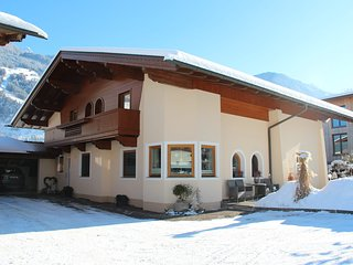 Comfortable Condo with Internet Access and Television - Hippach vacation rentals