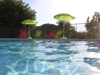 Gite La Bichonnière 4 pers.Piscine. Domaine de la Margotine en Quercy Périgord. - Rouffilhac vacation rentals