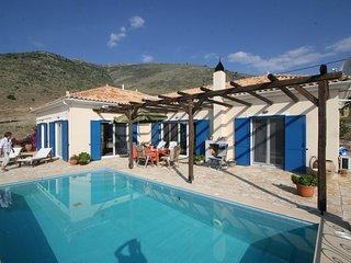 Nice 3 bedroom Villa in Galaxidi with Internet Access - Galaxidi vacation rentals