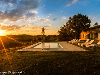 Spacious, private pool, sunny aspect, pool table, sleeps 9, 3.5km from Eymet - Razac-d'Eymet vacation rentals