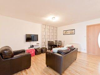Drimnagh Dublin 12 - 2 Bed beside Blackhorse Luas - Dublin vacation rentals