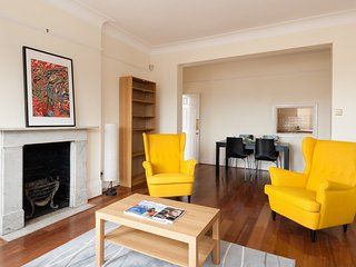 Spacious Chelsea Mansion Block - London vacation rentals