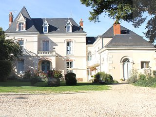 Adorable 5 bedroom Vacation Rental in Neuville de Poitou - Neuville de Poitou vacation rentals