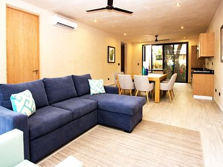 SUAVE - JARDINES - 2Br Cozy steps away from 5Th Ave. - Playa del Carmen vacation rentals