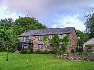 BEECH OWL BARN, barn conversion, swimming pool, log burner, nr Callington, Ref - Callington vacation rentals