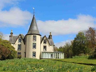 11 bedroom House with Private Fishing in Dunblane - Dunblane vacation rentals