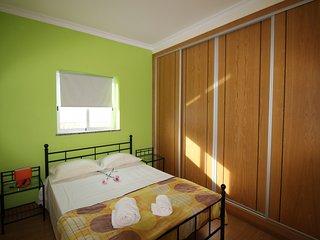 Charming 2 bedroom Condo in Areias de Sao Joao - Areias de Sao Joao vacation rentals