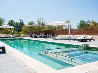 Brand new villa, pool, jacuzzi, BBQ, 5 mins to San Antonio - Ibiza vacation rentals