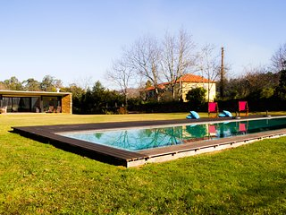 Liiiving in Caminha | Lawny Pool House - Caminha vacation rentals