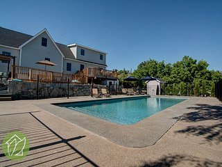 5 Bedroom 1 Acre with Private Pool by Sage Vacation Rentals - Manson vacation rentals