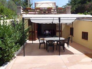 A soli 6 km da Gallipoli, moderna villetta  8 posti con parcheggio privato - San Simone vacation rentals