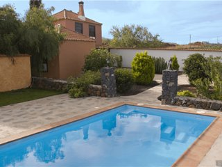 Holiday cottage with private pool in Punta Gorda - Chizarira National Park vacation rentals