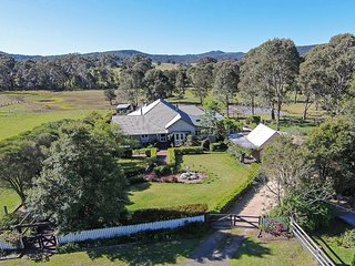 Millfield Homestead - A beautiful step back in time - Millfield vacation rentals