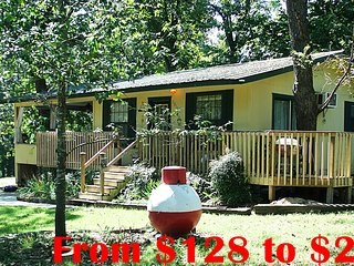 Beaver Lake Cabin Rental -7 Hwy miles to Rogers AR Boat Ramp, Private Cove, FLW - Rogers vacation rentals