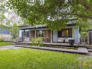 Wonderful 3 bedroom House in Inverloch with Deck - Inverloch vacation rentals