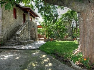 Villa Menelia-Traditional stone-built renovated house in the heart of the island - Vafkeri vacation rentals