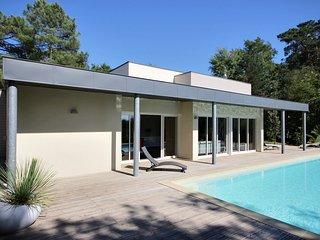 4 bedroom Villa with Internet Access in Brive-la-Gaillarde - Brive-la-Gaillarde vacation rentals