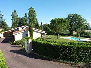 Proche Toulouse Maison dans cadre exceptionnel avec vue sur les Pyrénées - Cugnaux vacation rentals