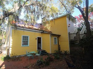 beautiful cottage in the heart of it all with free Wifi and private parking - Savannah vacation rentals
