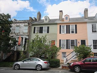 Charming 3BR Home Moments Away From Two of Savannah's Most Popular Squares - Savannah vacation rentals