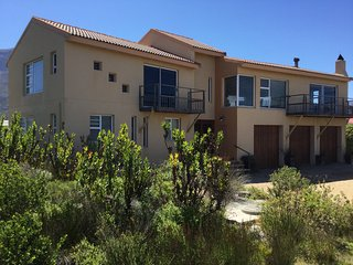 Perfect 3 bedroom Betty's Bay House with Satellite Or Cable TV - Betty's Bay vacation rentals