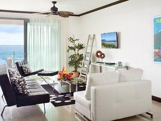 Lovely 2BR Beach front 3RD Floor Condo - Jaco vacation rentals