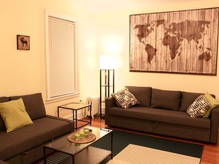 Lovely One Bedroom Apartment in NYC! - Jackson Heights vacation rentals