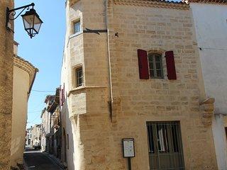 La Maison de Kty, séjournez en Val d'Hérault dans une maison médiévale de charme - Saint-Thibery vacation rentals
