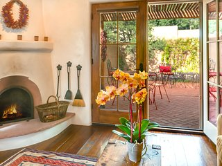 A Treasure with Private Garden….2 blks to wine, dine, shop on Plaza & Canyon Rd. - Santa Fe vacation rentals