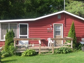 2 bedroom Cottage with Internet Access in Kingston - Kingston vacation rentals