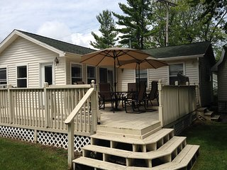 A modern family friendly home overlooking Lake Huron on a large sandy beach. - Lexington vacation rentals