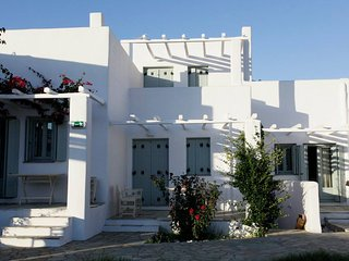 Tiepolo Skyros - Stunning double bedroom apartment - Molos vacation rentals