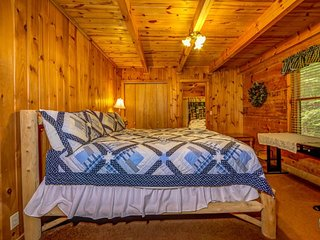 """2 BR/ 2 BA """"A GREAT ESCAPE"""" cabin in Pigeon Forge - Sevierville vacation rentals"""