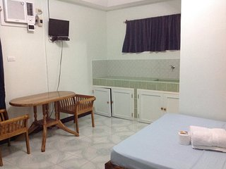 Nice Bungalow with Internet Access and A/C - Sandugan vacation rentals