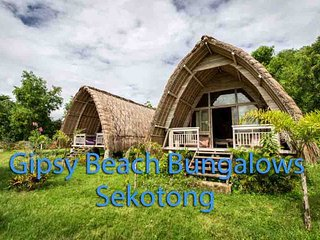 Romantic Bed and Breakfast with Deck and Internet Access - Pelangan vacation rentals