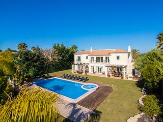 Villa Mar, a Private 5 Bedroom Villa Located Just 800 Meters From the Beach. - Quinta do Lago vacation rentals