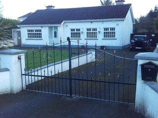 4 bedroom Bungalow with Deck in Maynooth - Maynooth vacation rentals