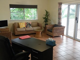 2 bedrooms Spacious Apartment close to City Central good for family and group - Cairns vacation rentals