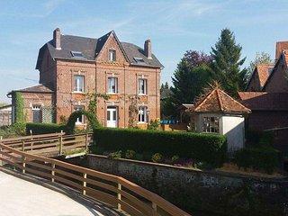Le moulin de la Bethune riverside property, 4 bedrooms sleeping up to 10 people - Neufchatel en Bray vacation rentals