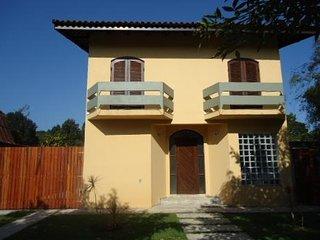 Casa c/6 qts, pisc, Jd São Lourenço, ao lado da Riviera. - Bertioga vacation rentals